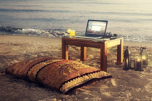 Macbook-on-beach1